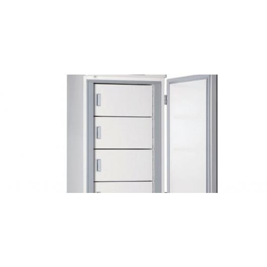 Independent inner doors to minimize cold air leakage